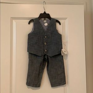 Two pc Nordstrom's baby 9m vest and pant set